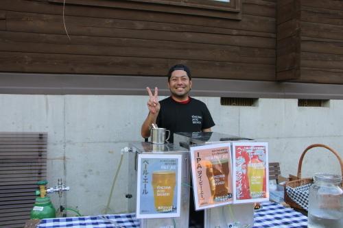 黒田充紀・三佳ご夫妻オーナーのDARAKE農園のビアパーティーに参加_c0075701_20572204.jpg