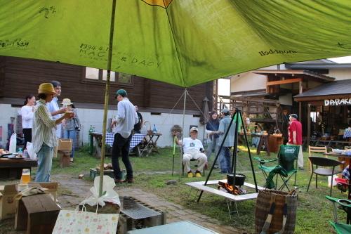 黒田充紀・三佳ご夫妻オーナーのDARAKE農園のビアパーティーに参加_c0075701_20574240.jpg