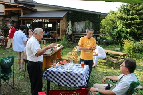 黒田充紀・三佳ご夫妻オーナーのDARAKE農園のビアパーティーに参加_c0075701_20591604.jpg