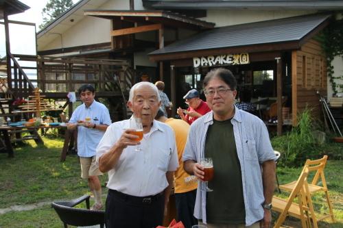 黒田充紀・三佳ご夫妻オーナーのDARAKE農園のビアパーティーに参加_c0075701_20592730.jpg