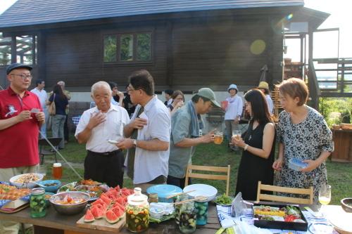 黒田充紀・三佳ご夫妻オーナーのDARAKE農園のビアパーティーに参加_c0075701_21013527.jpg