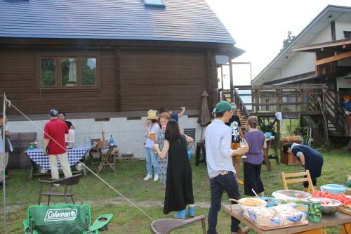 黒田充紀・三佳ご夫妻オーナーのDARAKE農園のビアパーティーに参加_c0075701_21030048.jpg