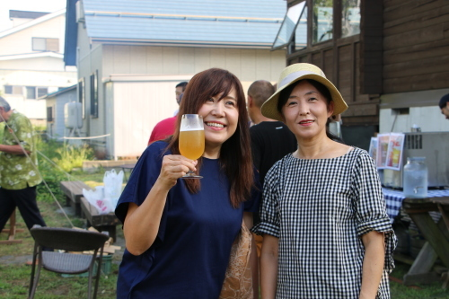 黒田充紀・三佳ご夫妻オーナーのDARAKE農園のビアパーティーに参加_c0075701_21034675.jpg