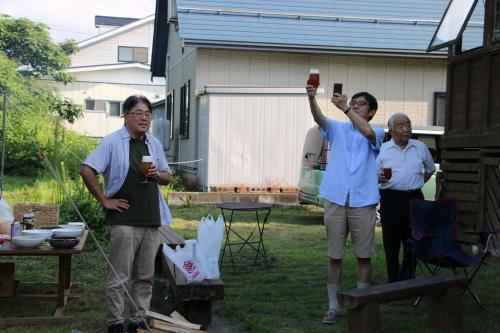 黒田充紀・三佳ご夫妻オーナーのDARAKE農園のビアパーティーに参加_c0075701_21040807.jpg