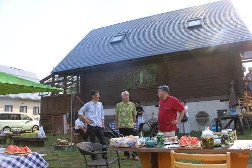 黒田充紀・三佳ご夫妻オーナーのDARAKE農園のビアパーティーに参加_c0075701_21044236.jpg
