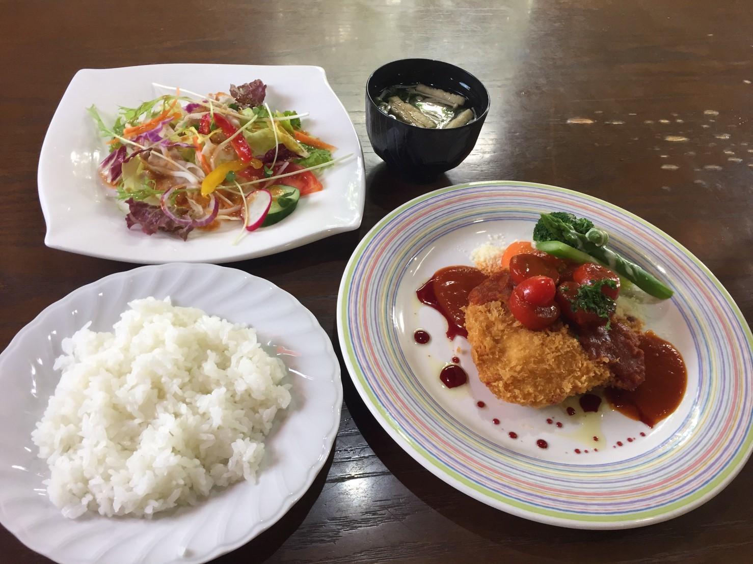 cafe & restaurant アンドリュース  チーズチキンカツ_e0115904_00543927.jpg