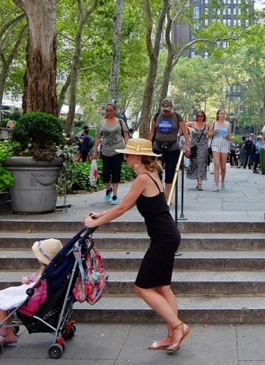 夏のニューヨークっぽい日常のワンシーン_b0007805_23292236.jpg