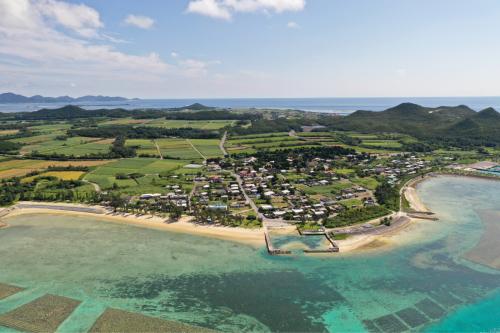 海界の村を歩く 東シナ海 伊是名島ウンナー_d0147406_16270236.jpg