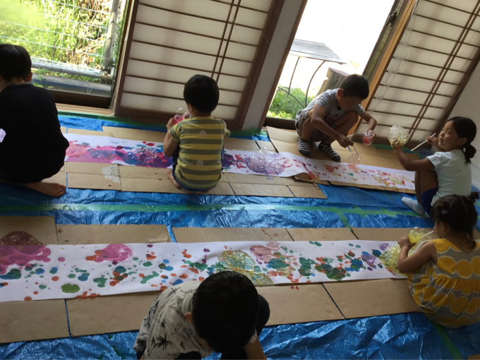 3原色で遊ぶ【子どもとアーティストの森】素材作り_d0347031_17444436.jpg