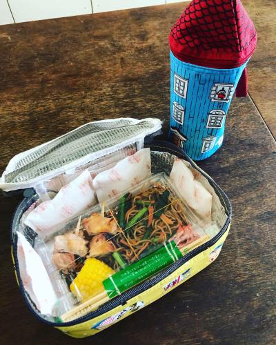 夏のお弁当対策 焼きそば弁当とムーミンの保冷バッグ_b0048834_09044627.jpg