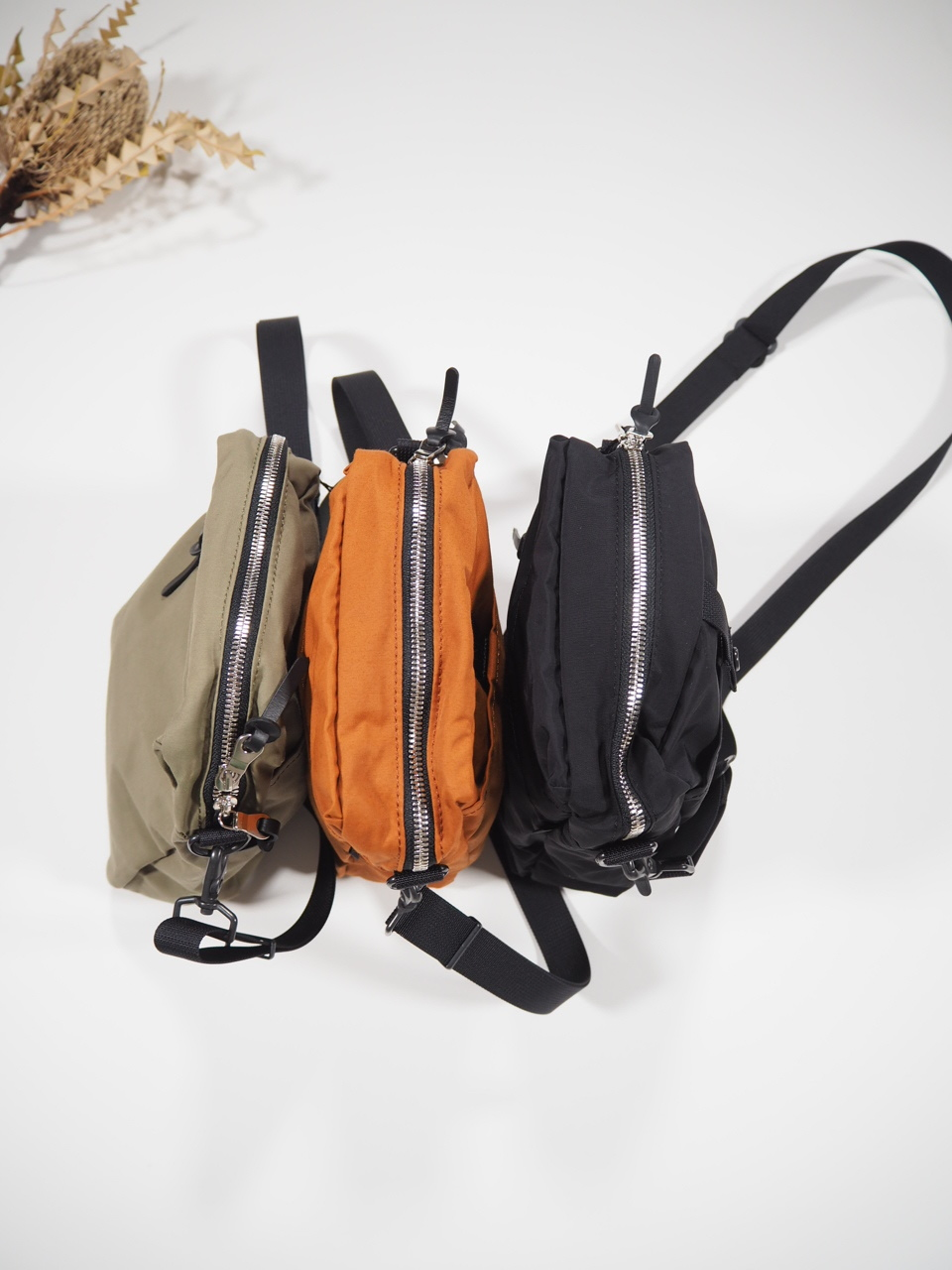 NEW WEEKEND shoulder bag_e0357389_16342092.jpg