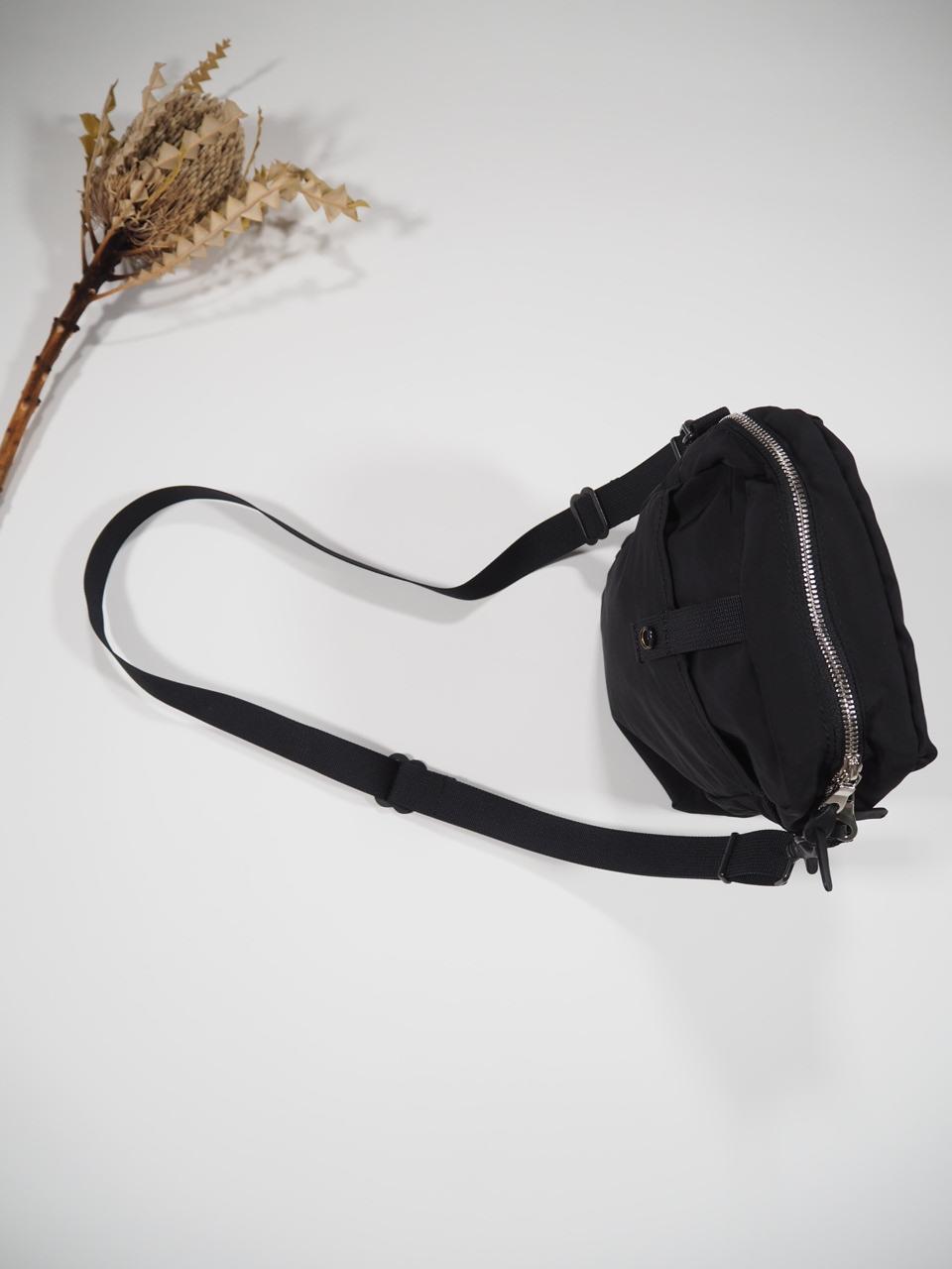 NEW WEEKEND shoulder bag_e0357389_16342095.jpg