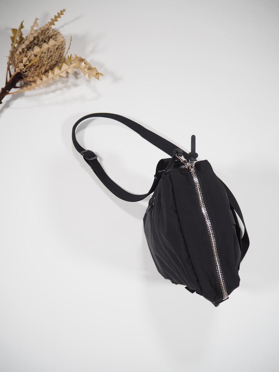 NEW WEEKEND shoulder bag_e0357389_16342199.jpg