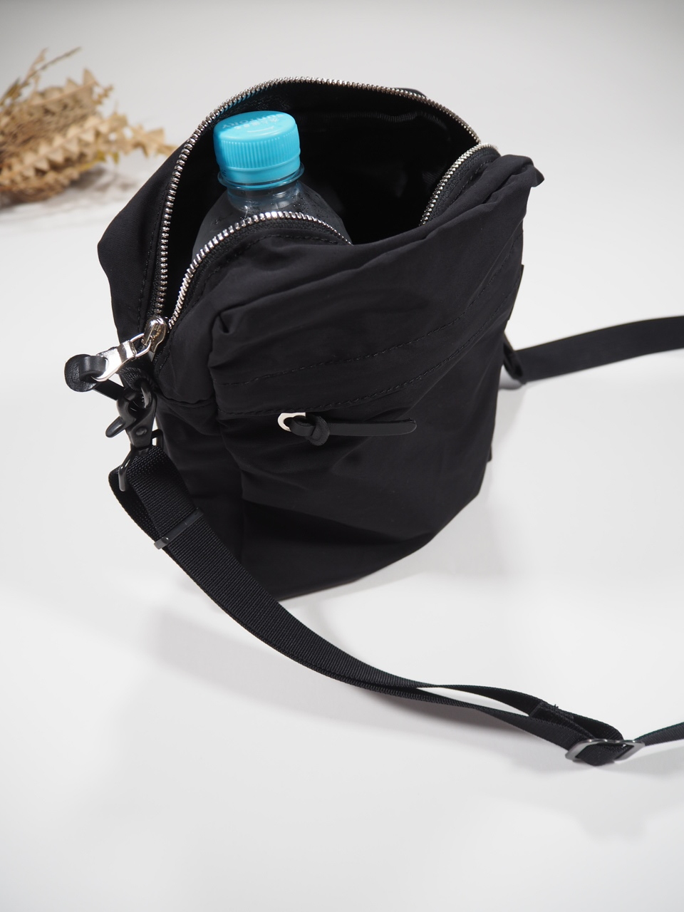 NEW WEEKEND shoulder bag_e0357389_16352802.jpg