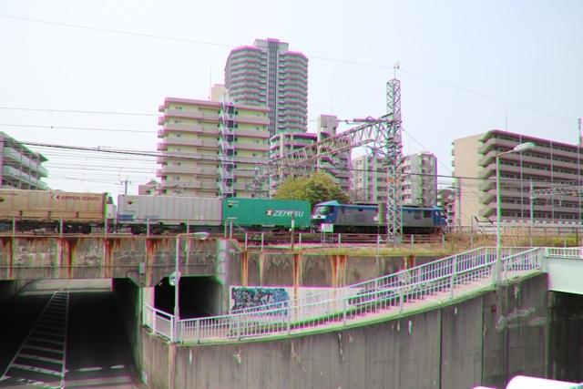 藤田八束の鉄道写真@ここは西宮、東海道本線が町中をはしります・・・瑞風、スーパーはくと、そして貨物列車「桃太郎」がはしる_d0181492_21202134.jpg