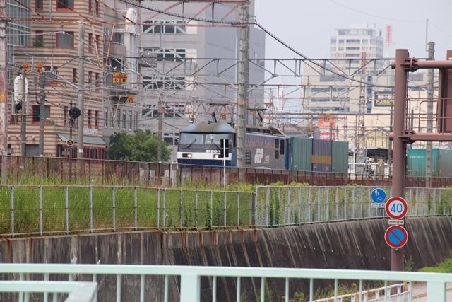 藤田八束の鉄道写真@ここは西宮、東海道本線が町中をはしります・・・瑞風、スーパーはくと、そして貨物列車「桃太郎」がはしる_d0181492_21205961.jpg