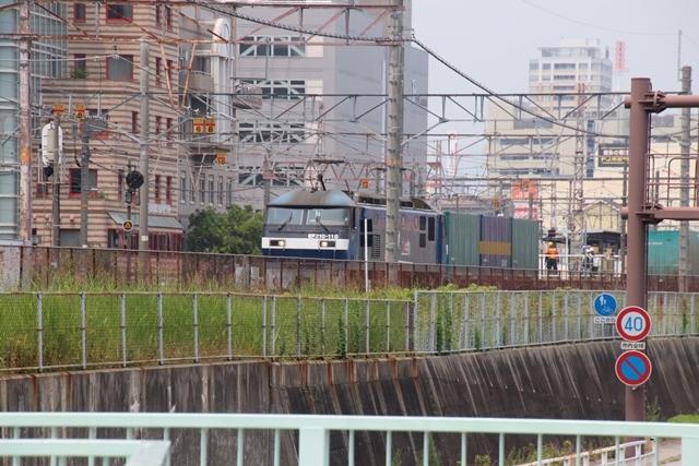 藤田八束の鉄道写真@ここは西宮、東海道本線が町中をはしります・・・瑞風、スーパーはくと、そして貨物列車「桃太郎」がはしる_d0181492_21210775.jpg