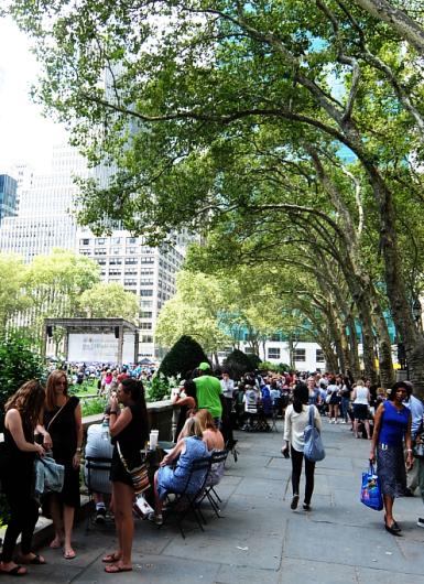 ニューヨークならではの立ち食いランチ?_b0007805_00383584.jpg