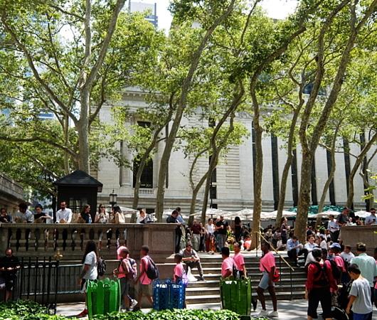 ニューヨークならではの立ち食いランチ?_b0007805_00384720.jpg