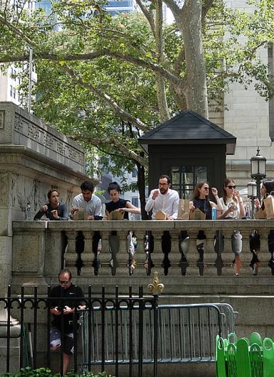 ニューヨークならではの立ち食いランチ?_b0007805_00392837.jpg