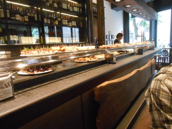 バレンシアで料理する 5)みんなでバレンシア中央市場へ!前編・圧巻のカタツムリ屋さん_a0095931_12491457.jpg