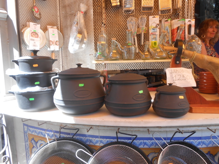 バレンシアで料理する 5)みんなでバレンシア中央市場へ!前編・圧巻のカタツムリ屋さん_a0095931_12495853.jpg