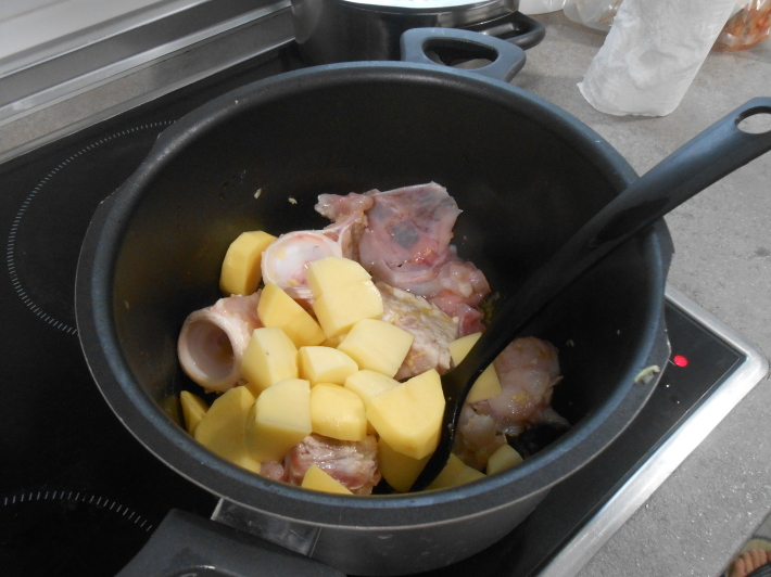 バレンシアで料理する 5)みんなでバレンシア中央市場へ!後編・市場で仕入れた材料で夕ご飯!_a0095931_13512798.jpg