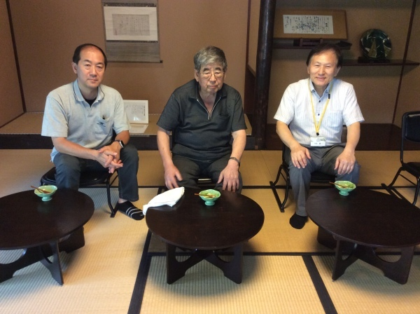 塚田誉(テレビ金沢)氏が、御父(蒔絵展)様を訪れました。_f0289632_11311620.jpg