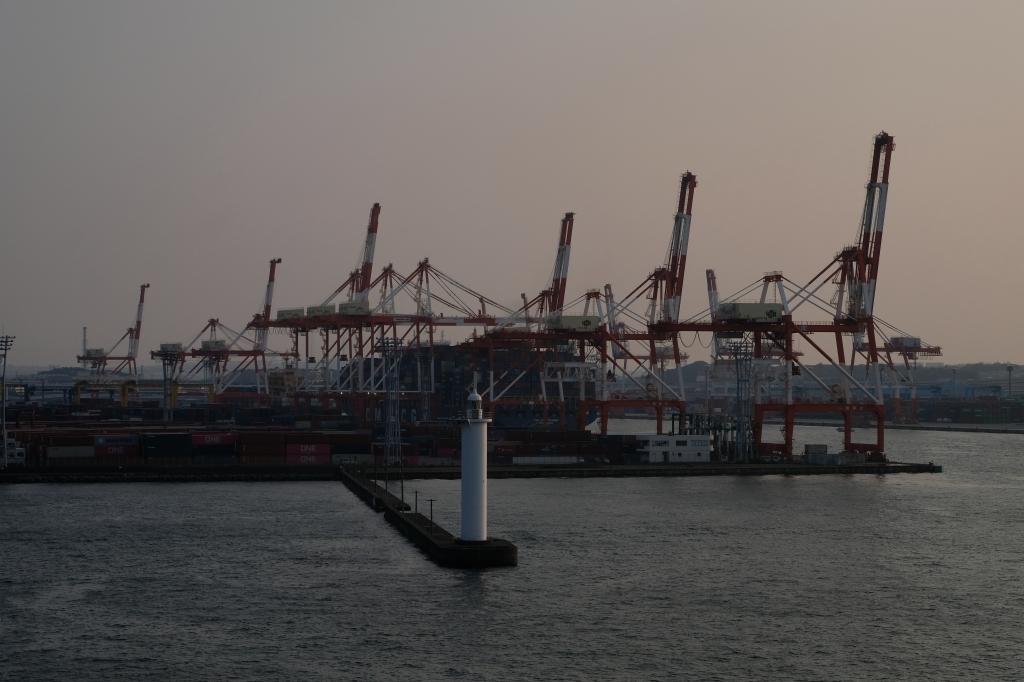 飛鳥 クルーズ 出航 横浜港 視点の違い_f0050534_07304774.jpg