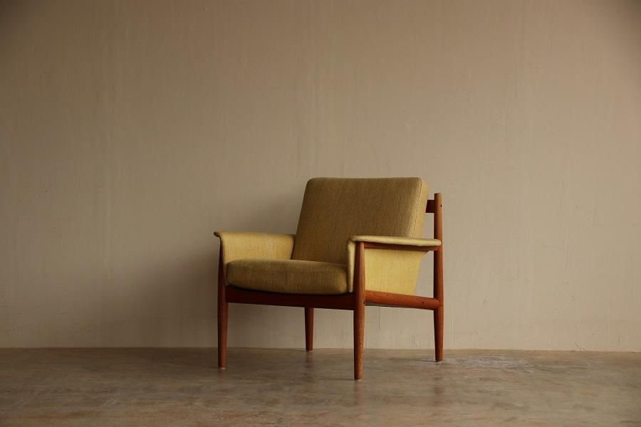 『Grete Jalk Easy Chair』_c0211307_21453243.jpg