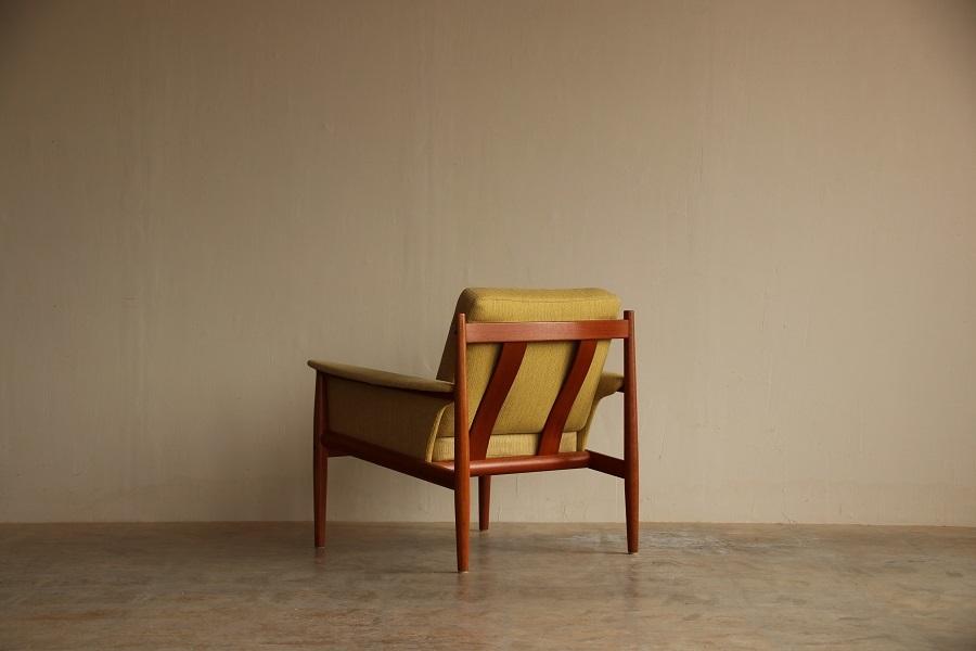 『Grete Jalk Easy Chair』_c0211307_21454793.jpg