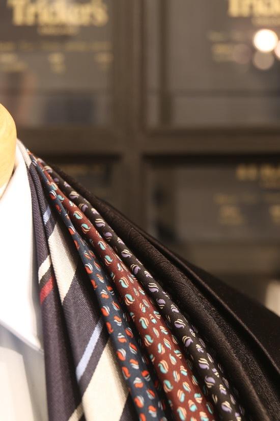 ネクタイを美しく見せる締め方ってありますよね・・_d0074607_20435048.jpg