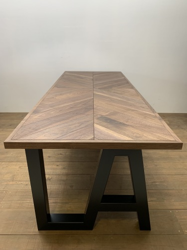 HERRINGBONE DINING TABLE_c0146581_14522999.jpg