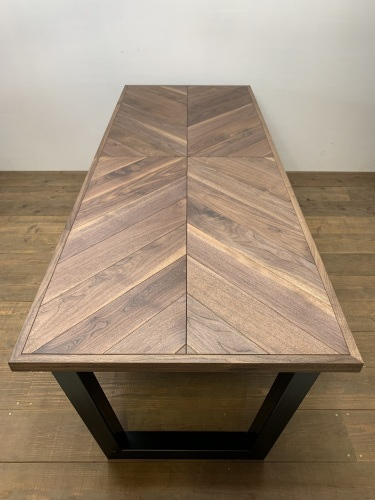 HERRINGBONE DINING TABLE_c0146581_14532481.jpg