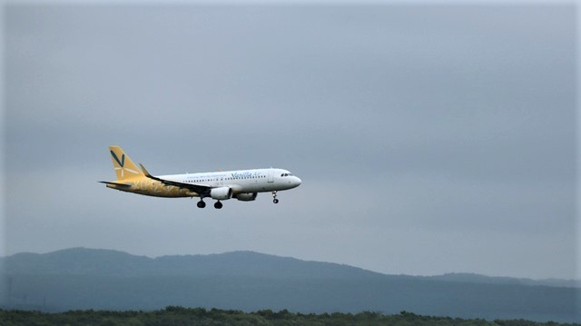藤田八束の鉄道写真@札幌空港の飛行機達、札幌で見つけた可愛いマンホール_d0181492_22405822.jpg