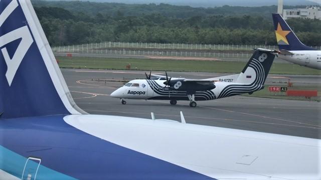 藤田八束の鉄道写真@札幌空港の飛行機達、札幌で見つけた可愛いマンホール_d0181492_22424617.jpg