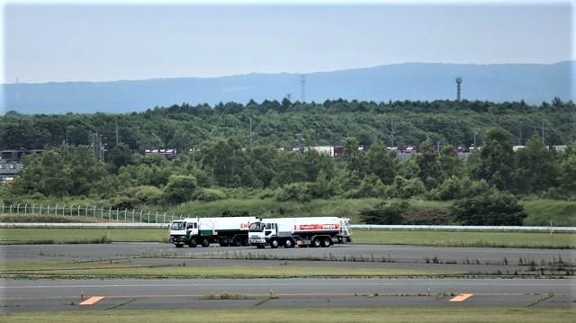 藤田八束の鉄道写真@札幌空港で離発着する飛行機、札幌空港からの貨物列車の写真、楽しい飛行機たちが勢ぞろいした札幌空港_d0181492_22432444.jpg