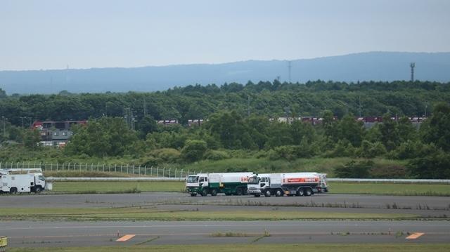 藤田八束の鉄道写真@札幌空港で離発着する飛行機、札幌空港からの貨物列車の写真、楽しい飛行機たちが勢ぞろいした札幌空港_d0181492_22433134.jpg