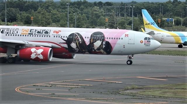藤田八束の鉄道写真@札幌空港で離発着する飛行機、札幌空港からの貨物列車の写真、楽しい飛行機たちが勢ぞろいした札幌空港_d0181492_22445864.jpg