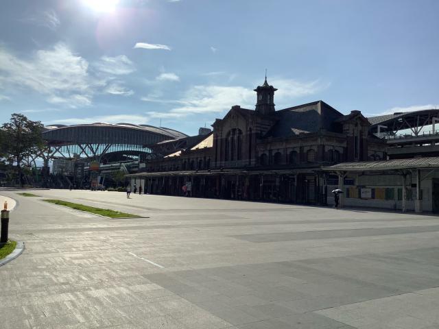旧台鉄台中駅、美しい。_a0334793_02122596.jpg