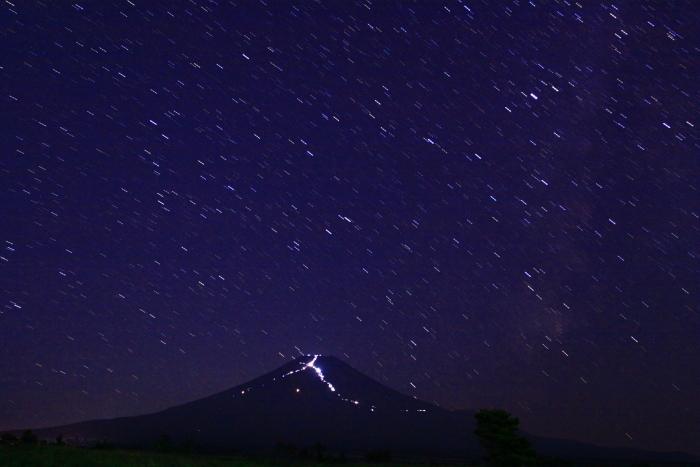 令和元年8月の富士(1)北富士演習場の星空と富士_e0344396_18561784.jpg