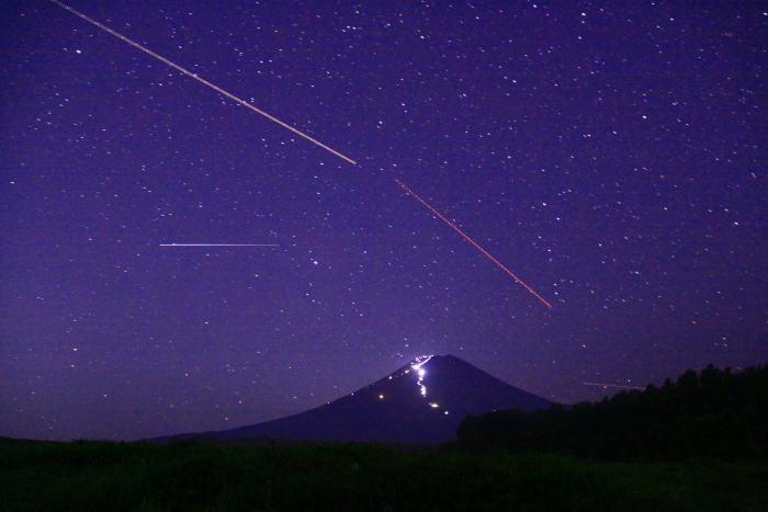 令和元年8月の富士(1)北富士演習場の星空と富士_e0344396_18564736.jpg