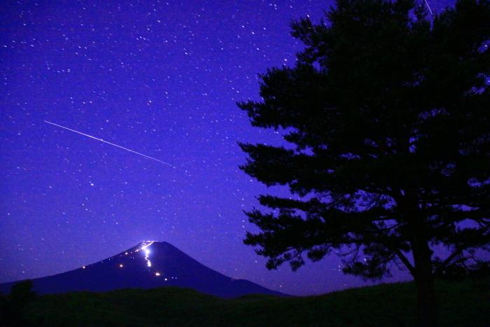 令和元年8月の富士(1)北富士演習場の星空と富士_e0344396_18565505.jpg