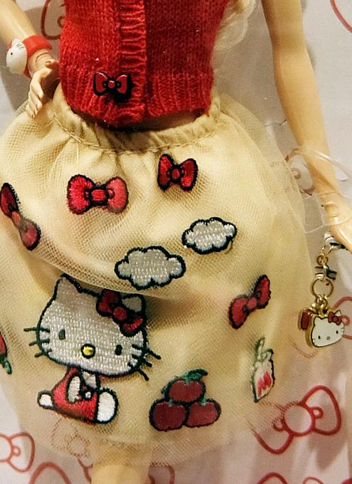 """キティちゃんファッションのバービー人形 \""""Barbie Hello Kitty Doll\""""_b0007805_10541777.jpg"""