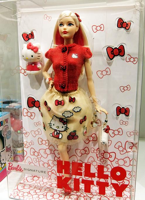 """キティちゃんファッションのバービー人形 \""""Barbie Hello Kitty Doll\""""_b0007805_10562800.jpg"""