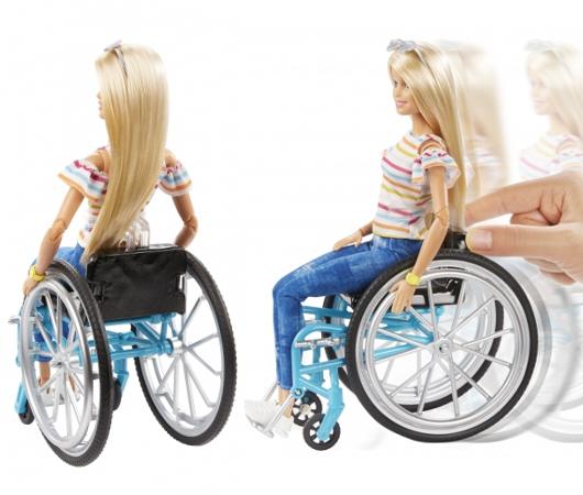 美の多様性や個性の大切さを伝える「車椅子のバービー人形」、8月9日より日本国内トイザらスにて限定販売_b0007805_21321462.jpg