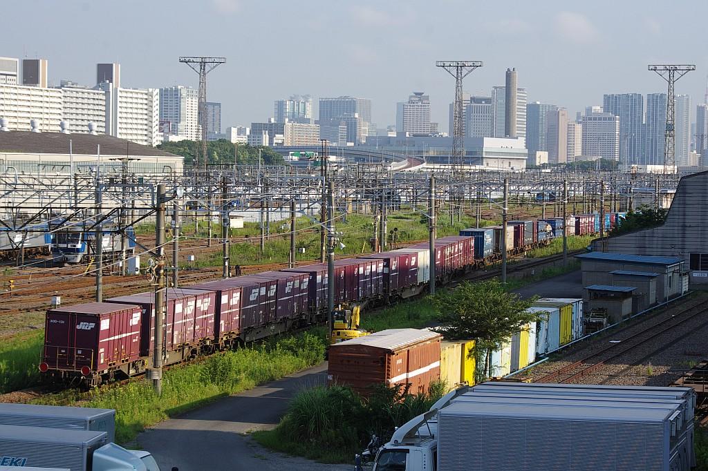 8/3東京貨物ターミナルにて2062レのコキとコンテナ_f0203926_225915.jpg