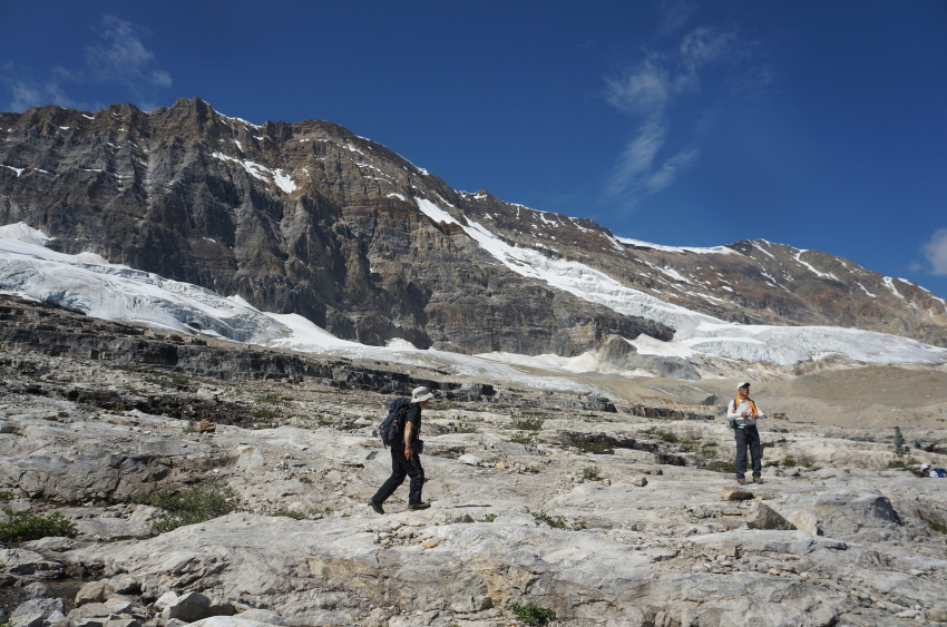 「アイスライン・トレイル」足慣らしハイキングへ_d0112928_09410872.jpg