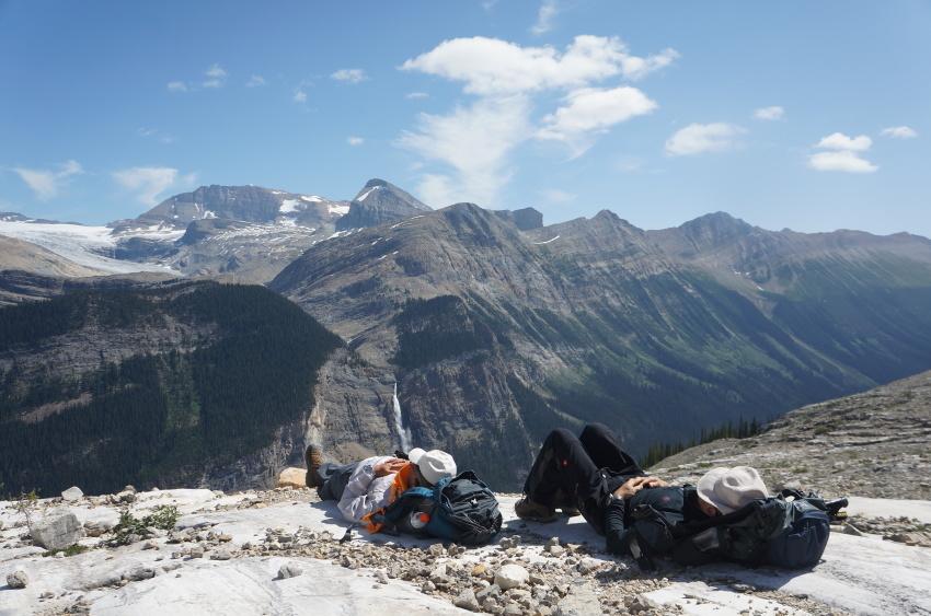 「アイスライン・トレイル」足慣らしハイキングへ_d0112928_09424350.jpg
