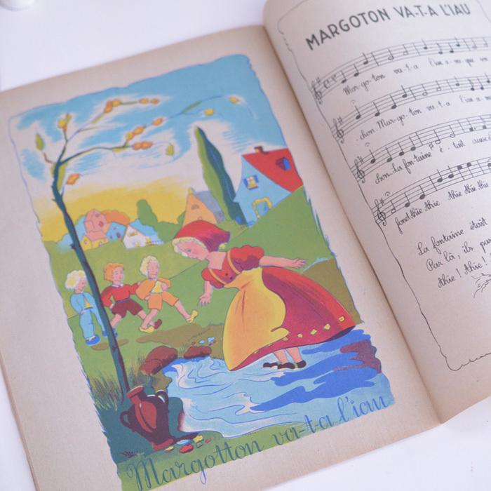 ◆フランスアンティーク*とにかく可愛い♡フランスの子供向けうたの本_f0251032_23072831.jpg